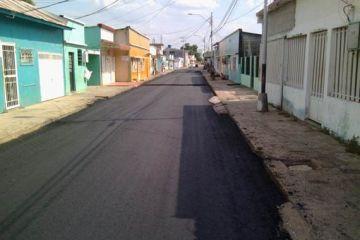 REHABILITACION CON MEZCLA  ASFALTICA EN CALIENTE DE LA CALLE MUCURITAS ENTRE AV. CARACAS Y AV. FUERZAS ARMADAS